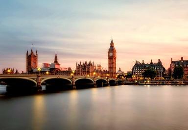 Szkoła języka angielskiego Bloomsbury International oferuje kursy językowe w centrum Londynu. British Council, English UK