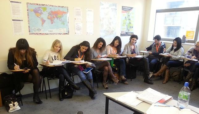 wyjazdy językowe do Londynu, kursy letnie, wakacyjme kursy językowe