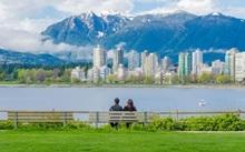 Letnie obozy językowe również w Toronto, Vancouver.